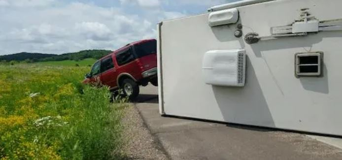 Why Is It Dangerous to Drive an RV in the Wind